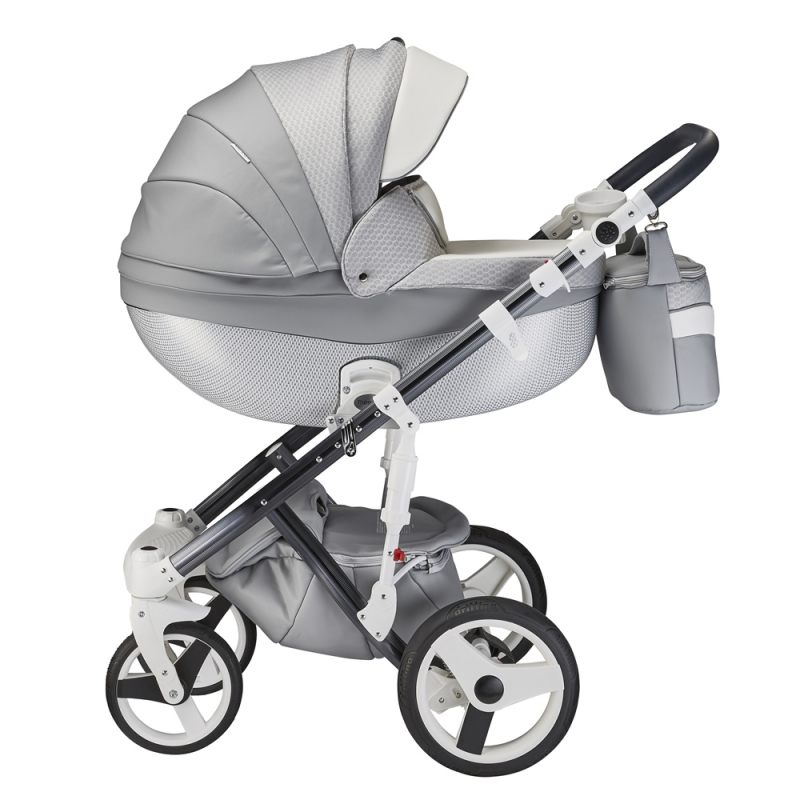 Mee-Go Milano Special Edition 3in1 Travel System-Silver Charm + Free Changing Bag Worth £80!